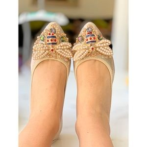 Shoes - HP Pointy Toe Crystals Bee Flat Shoes